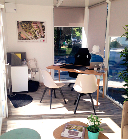 bureau de vente le domaine de la garderie idealiz. Black Bedroom Furniture Sets. Home Design Ideas